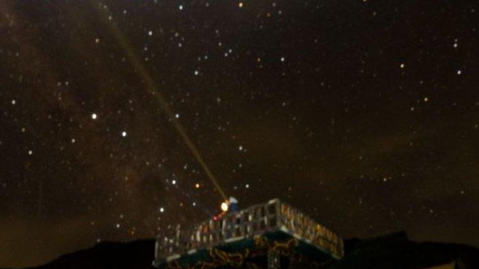 Mengapa Bintang Berkedip Saat Malam Hari?