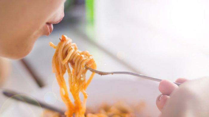 Terlalu Sering Makan Mie Instan BIsa Menimbulkan Masalah Kesehatan,