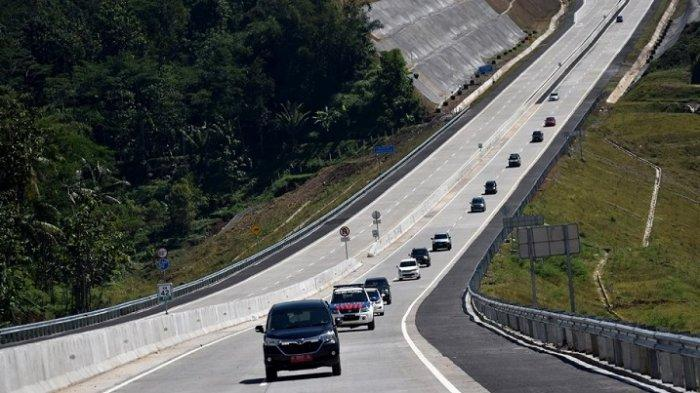 Jalan Cor Beton Bikin Ban Mobil Cepat Habis? Begini Faktanya