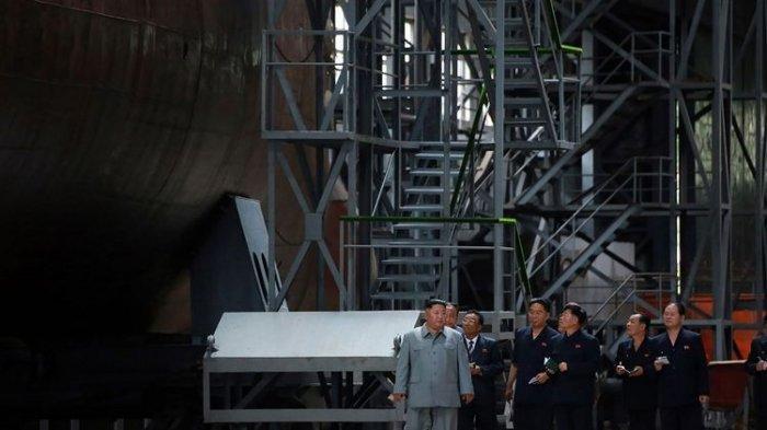 Di Tengah Konflik Sejumlah Negara, Korea Utara Produksi Kapal Selam dan Rudal Sendiri