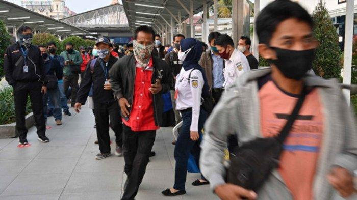 Kenakan Masker Bedah, Menjaga Jarak & Cuci Tangan Terbukti Efektif Turunkan Risiko Infeksi Covid-19