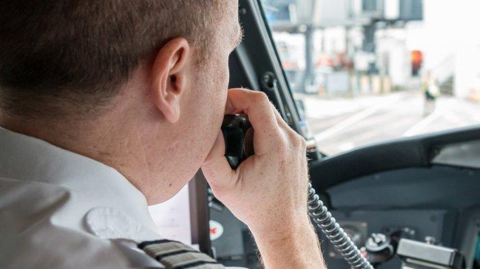 Sejarah Kata 'Roger' yang Sering Diucapkan oleh Pilot Ketika Berkomunikasi