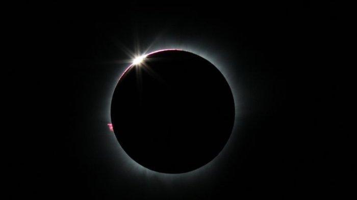 Terlihat Mirip, Apa Perbedaan Gerhana Matahari Total dan Gerhana Matahari Cincin?