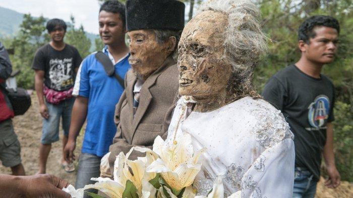 Ritual 'Hidupkan Kembali Jasad Leluhur' Ma'nene di Tana Toraja, Punya Makna Mendalam