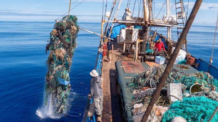 Aksi Pembersihan Laut Terbesar, Berhasil Kumpulkan 100 Ton Sampah Plastik
