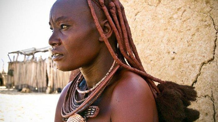 Rahasia Suku Himba Menjaga Badan Tetap Bersih Meski Tak Pernah Mandi