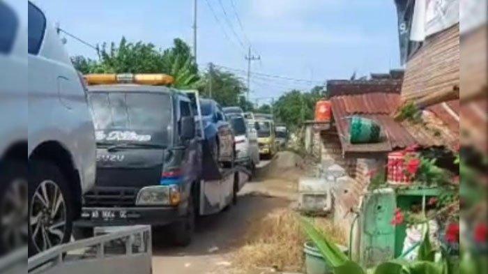 Kaya Mendadak, Warga Tuban Borong 176 Mobil