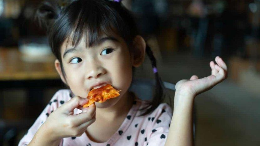 Anak Suka Makan Pedas? Ingat Batasannya
