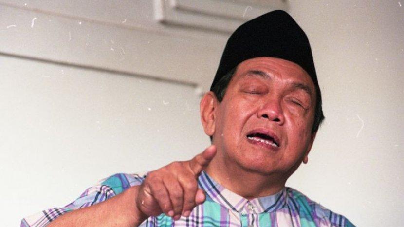 Presiden Keempat RI: Abdurrahman Wahid, Mencabut Larangan Imlek Bekas Orde Baru