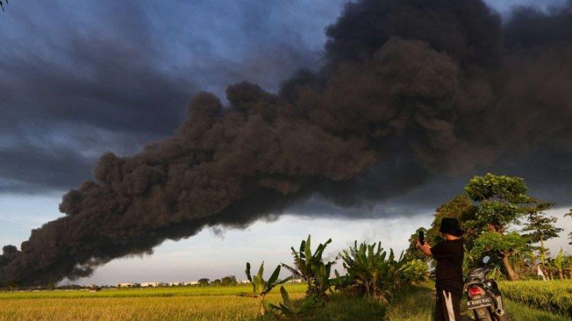 Diduga Menjadi Penyebab Kebakaran Kilang Pertamina, Ini Ciri Khas Petir Indonesia