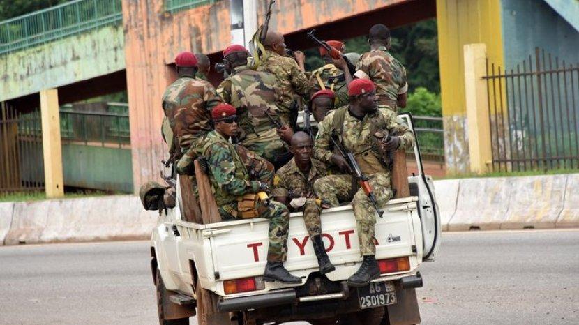 Kudeta Guinea, Rentetan Tembakan Terdengar Sebelum Presiden Diculik