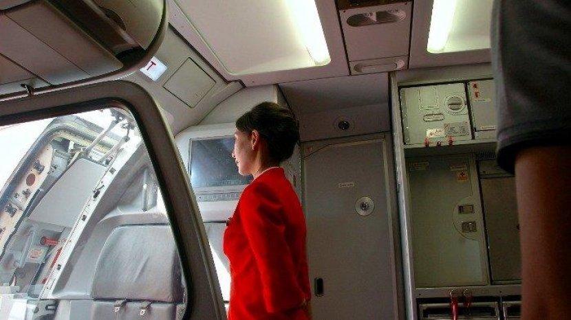 Fitur-fitur Tersembunyi di Pesawat yang Perlu Kamu Ketahui