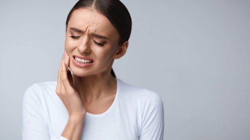 Cara Meredakan Sakit Gigi di Rumah