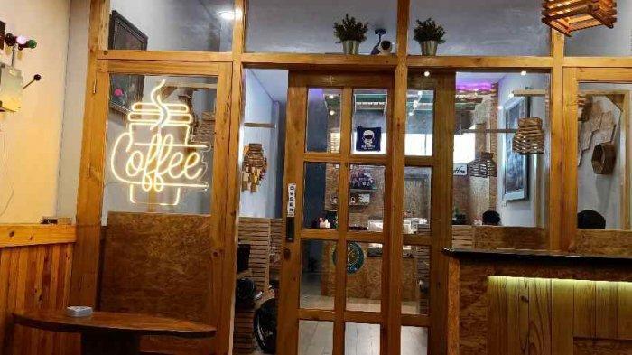 Ngopi dan Makan Kenyang di Coffee Chic Way Halim