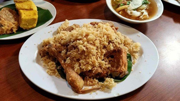Cicipi Menu Spesial Restoran Kampoeng Bamboe Ayam Kalasan Kriuk dan Renyah