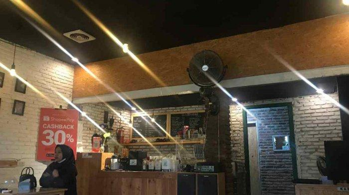 Nongkrong Harga Mahasiswa di Antara Coffee Unila