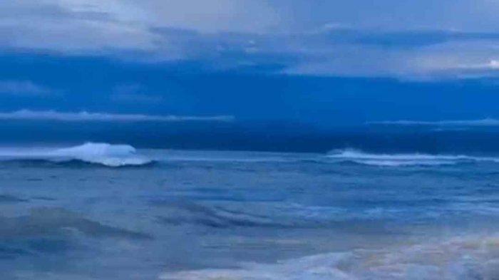 Indahnya Pantai Tanjung Setia, Surga bagi Pecinta Surfing