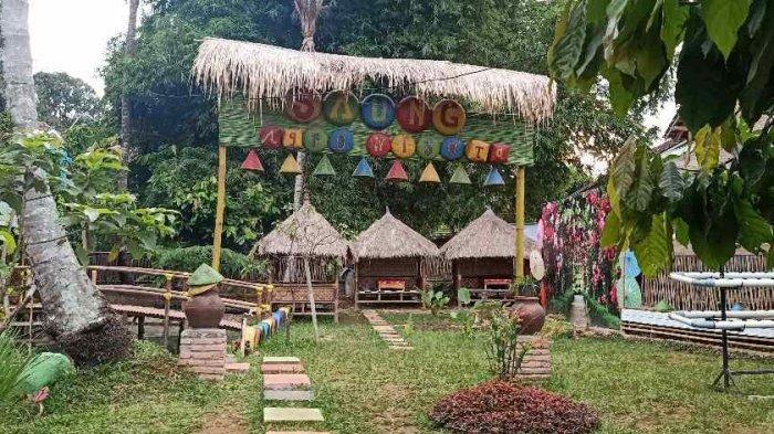 Syahdunya Suasana Khas Sunda di Saung Agrowisata Kemiling