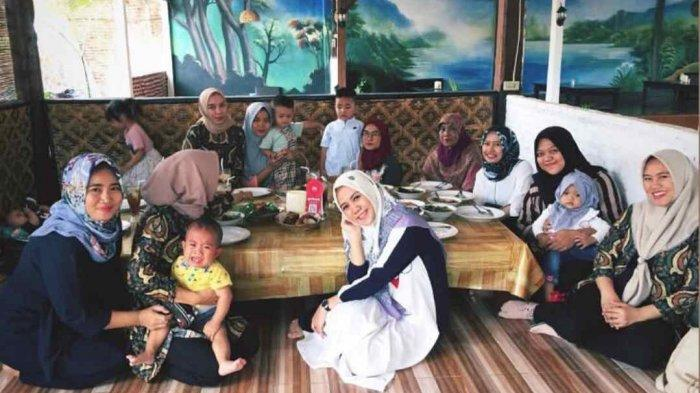 Restoran Ikan Bakar Alin Ryacudu Cocok untuk Singgah Keluarga