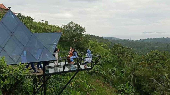 Pintu Langit Jadi Wisata Viral dan Hits di Bandar Lampung