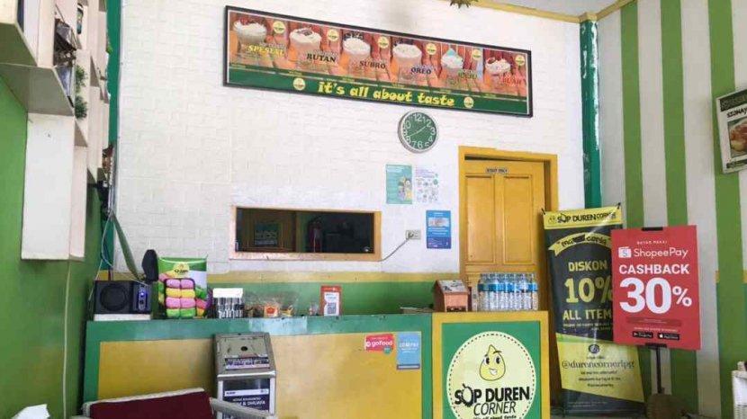 Menikmati Olahan Durian Segar di Sop Duren Corner