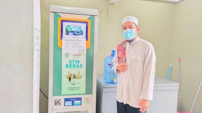 Masjid Ad-Du'a Bandar Lampung Sediakan ATM Beras Gratis Bagi Masyarakat Kurang Mampu