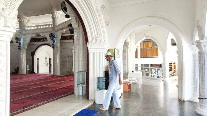 Masjid Al Hikmah Bandar Lampung, Masjid Unik yang Tak Punya Pintu dan Jendela