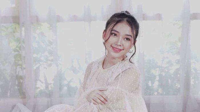 Profil Anneth Delliecie Nasution Penyanyi, Pencipta Lagu Asal Indonesia