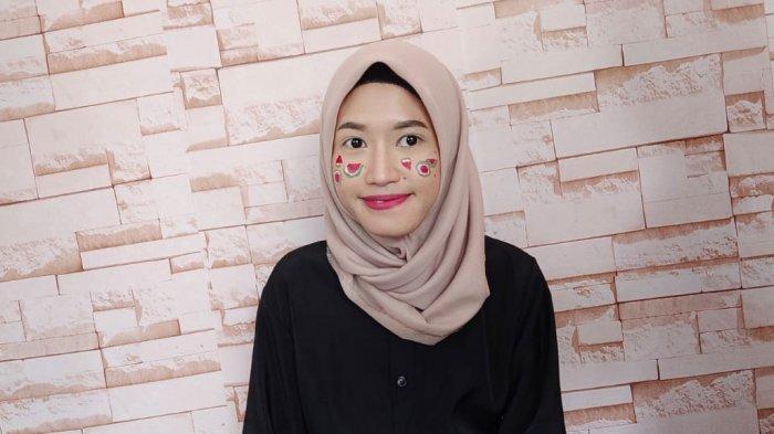 Termotivasi Makeup Artis Membuat Arih Lystia Kembangkan Kemampuannya