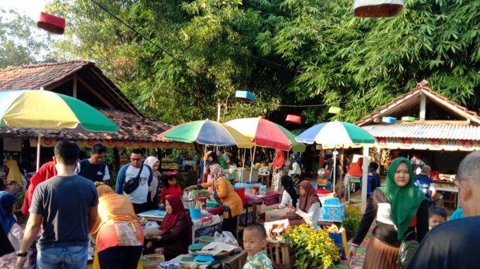 Pasar Yosomulyo Pelangi (Payungi)