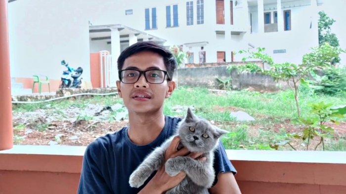 Raden Arkana Araish, Pecinta Kucing yang Jadi YouTuber
