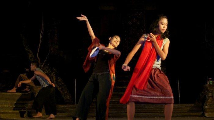 Belajar Seni Peran Sampai Filsafat di Teater Satu Lampung