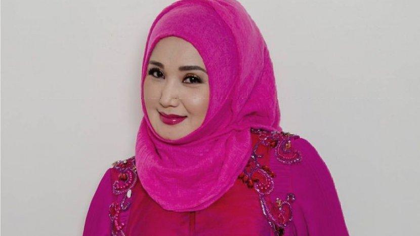 Biodata Evie Tamala, Penyanyi Dangdut Indonesia