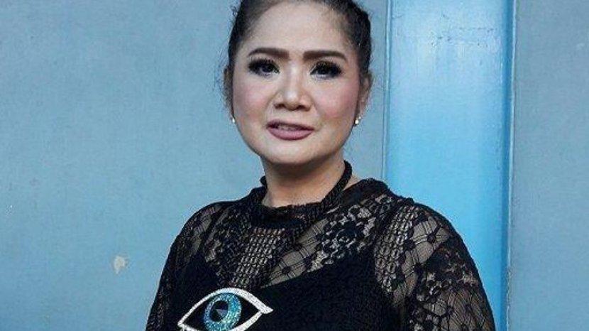Biodata Vina Panduwinata, Diva Indonesia
