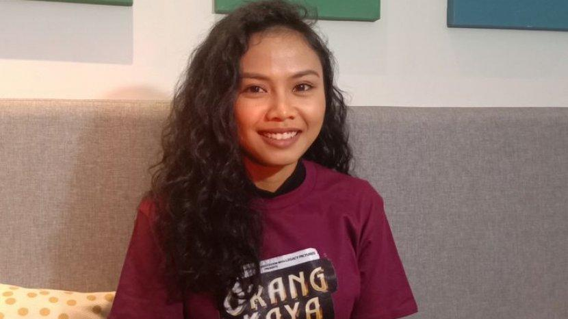 Profil Dea Panendra Aktris yang Dikenal Melalui Film Marlina Si Pembunuh Dalam Empat Babak