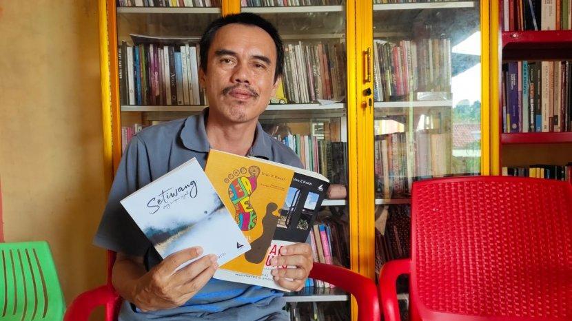 Profil Udo Z Karzi, Sastrawan Lampung Penerima Penghargaan Sastra Rancage 2017