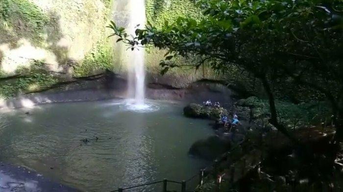 Air Terjun Pinaras yang Indah dan Menakjubkan, Pintu Masuknya Dekat dengan Kuburan