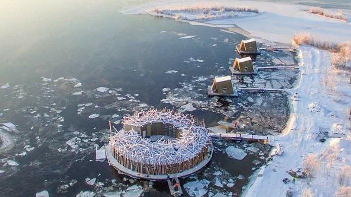 Sensasi Menginap di Hotel Artic Bath, Mengapung di Atas Air Dengan Pemandangan Langit Utara