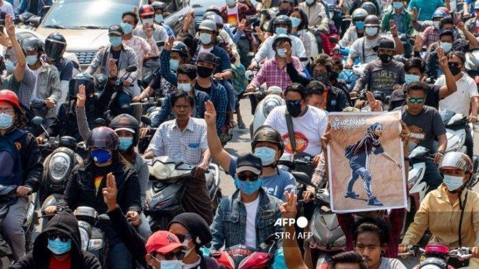 Akibat Luka di Dada, Seorang Polisi Myanmar Tewas di Tengah Aksi Protes