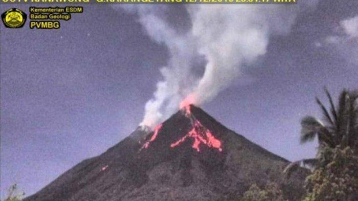 Gunung Karangetang Keluarkan Guguran Lava, Status Level III, Pendaki Diminta Menjauh