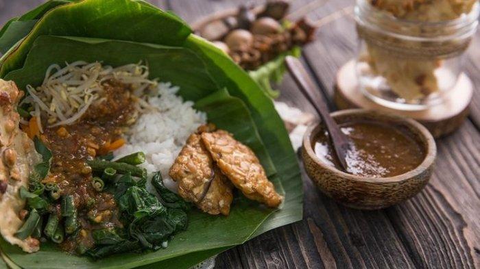 Termuat dalam Serat Centhini, Bagaimana Sejarah Makanan Pecel?