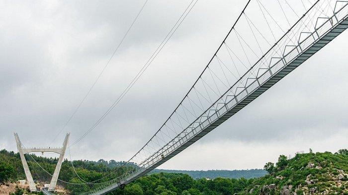 Mengenal Jembatan 516 Arouca, Jembatan Gantung Terpanjang di Dunia yang Baru Saja Dibuka di Portugal