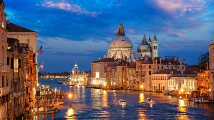 Perbaiki Kanal, Pemerintah Italia Larang Kapal Pesiar Raksasa Berlabuh di Pusat Kota Venesia