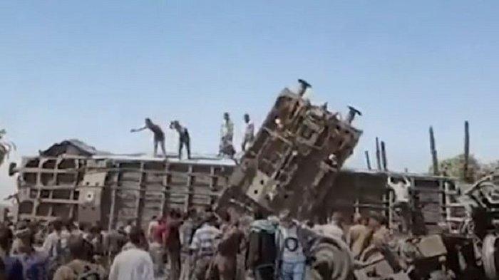 Tarik Rem Mendadak, Dua Kereta Api di Mesir Tabrakan, 32 Orang Tewas