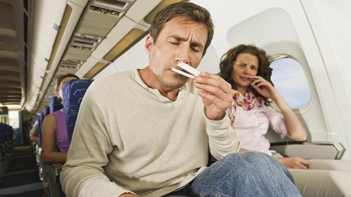 Kenapa Penumpang Dilarang Merokok di Atas Pesawat? Ini Jawabannya