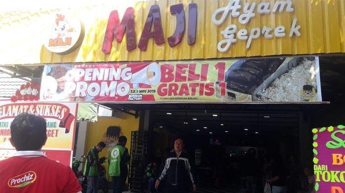 Pembukaan Maji Ayam Geprek Cabang, Promo Beli 1 Gratis 1
