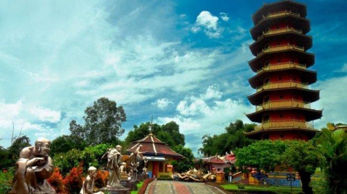 Pagoda Ekayana, Objek Wisata Religi yang Unik di Kota Tomohon