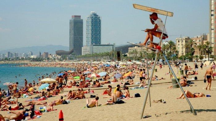 Buka Kembali Ditengah Pandemi Covid-19, Ini Cara Unik Pantai di Spanyol Cegah Kerumunan Pengunjung