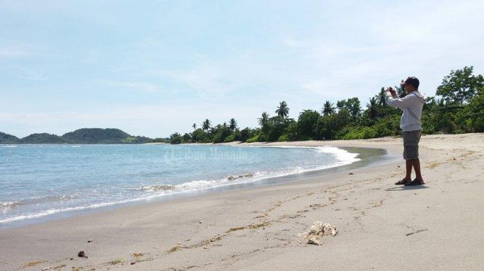 Anda Akan Merasa Rugi Jika Tak ke Pantai Lumintang