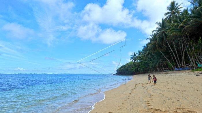 Habiskan Waktumu Bersantai di Pantai Pananuareng